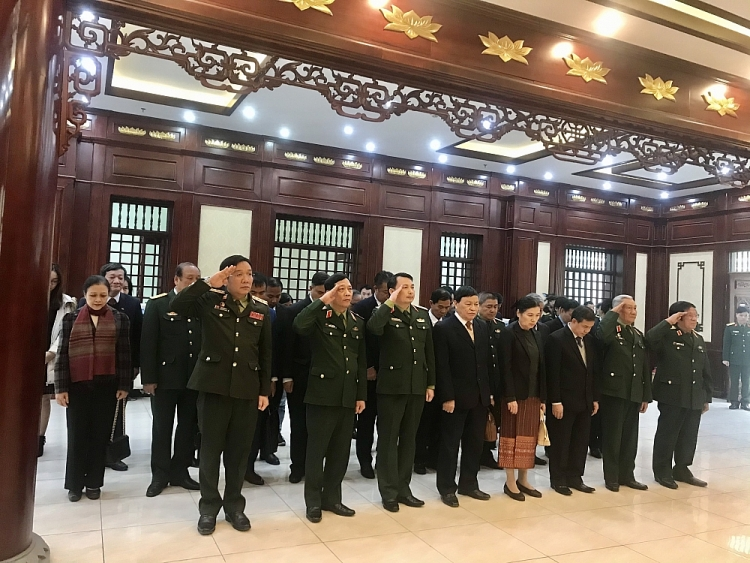 laos embassy in vietnam vufo vietnam laos friendship association visit hanoi capital high command