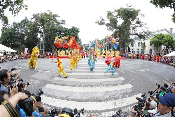 Hanoi might suspend unnecessary festivals over Covid-19 concerns