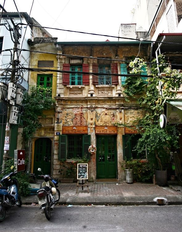 cafe inside 90 year old house allures visitors with nostalgic ambiance