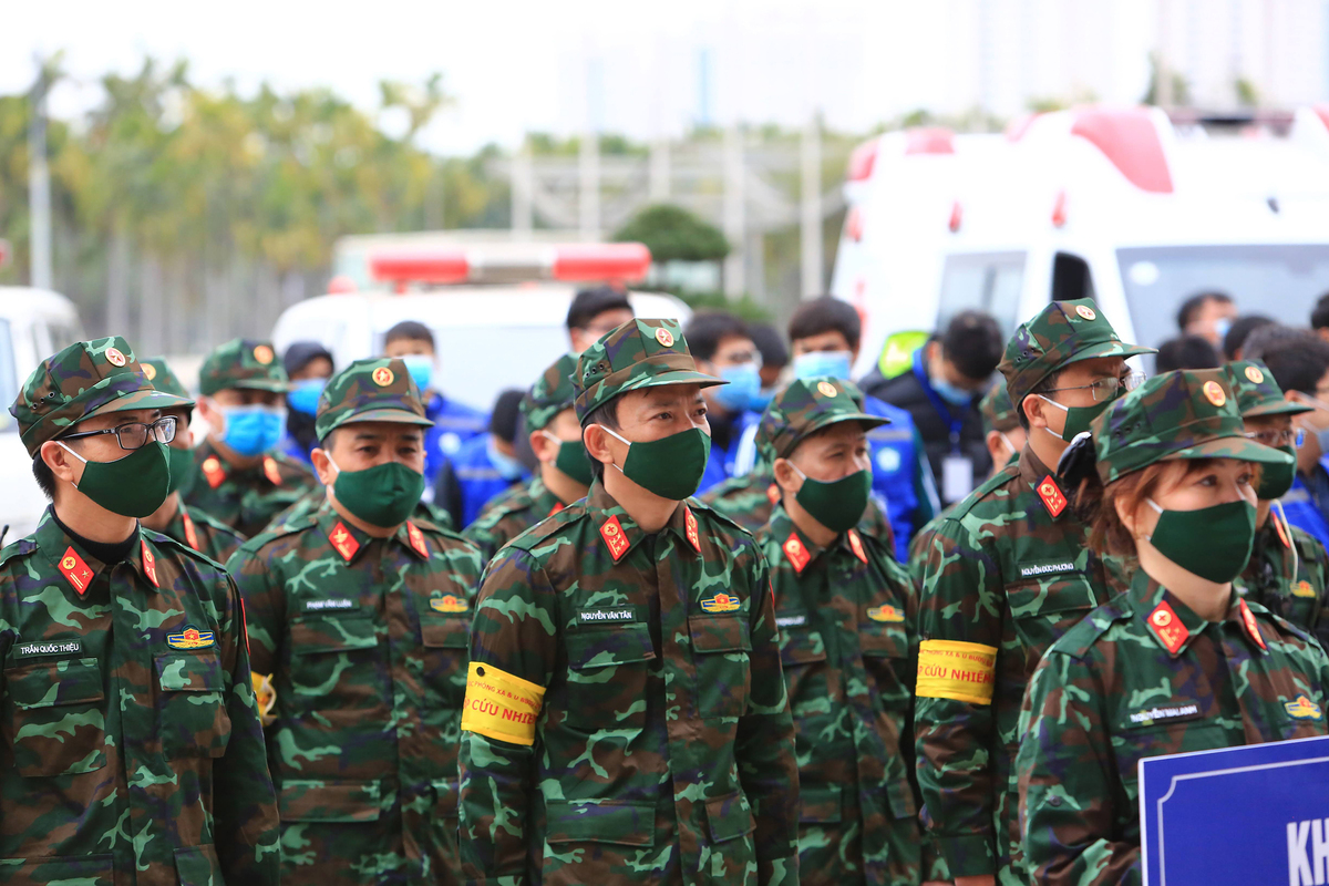 Medical forces conduct drill to serve 13th National Party Congress