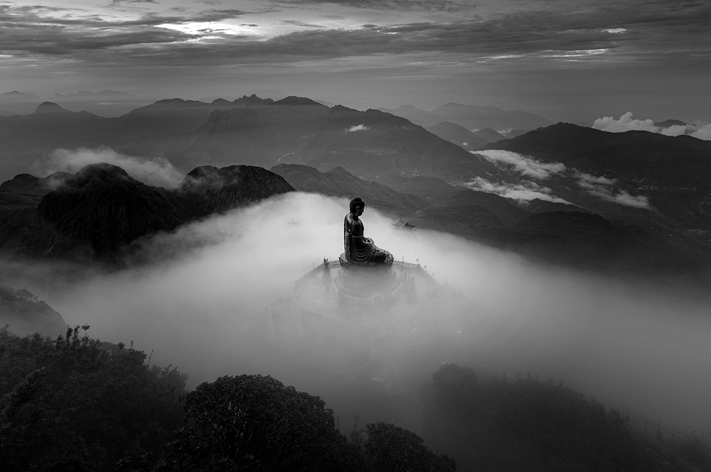 Two Vietnamese photographers claim prizes at Int'l Monochrome Awards 2020