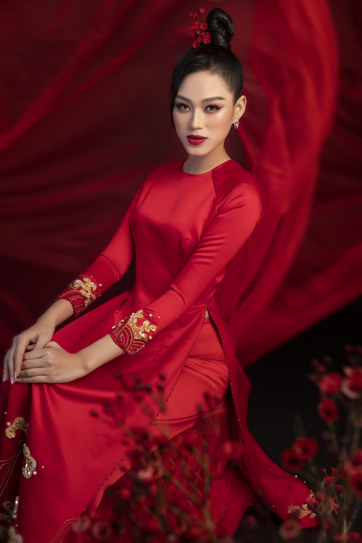Top 3 Miss Vietnam 2020 show off beauty in Tet photoshoots