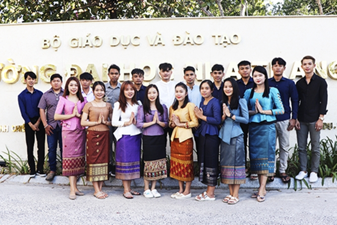 khanh hoa organizes activities welcoming tet holiday for international students