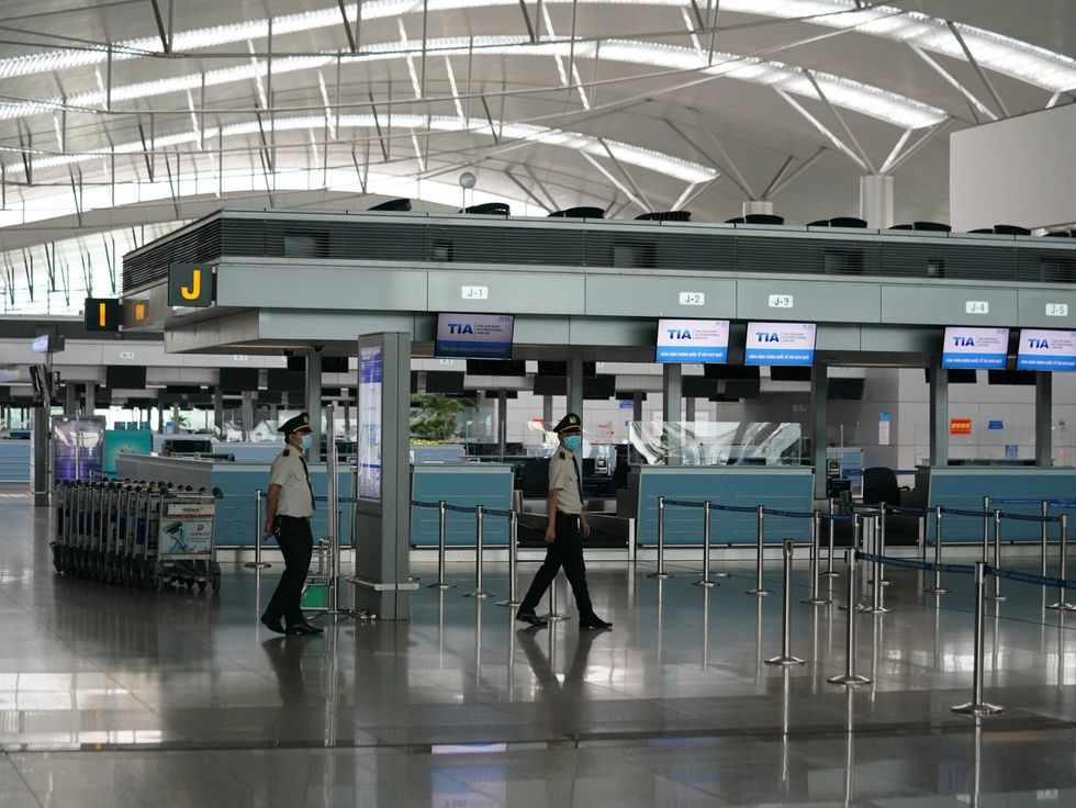 Tan Son Nhat int'l airport unprecedentedly deserted due to Covid-19