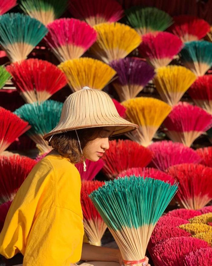 Hue's traditional craft villages turn colorful as Tet approaches
