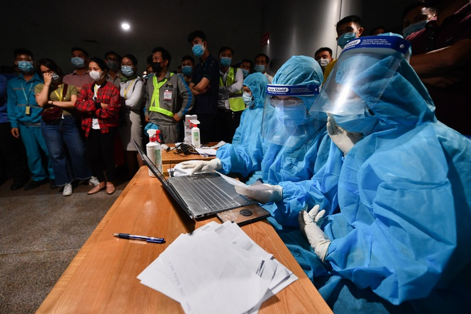 Hochiminh city issues Covid-19 quarantine regulations for returnees from 11 pandemic-hit areas after Tet