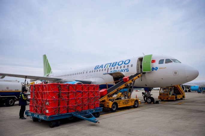 vietnamese air carrier transports medical equipment freely to hai duong epicenter