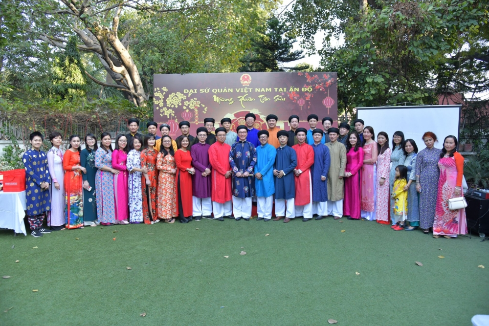 vietnamese community in india gathers for tet late due to covid 19