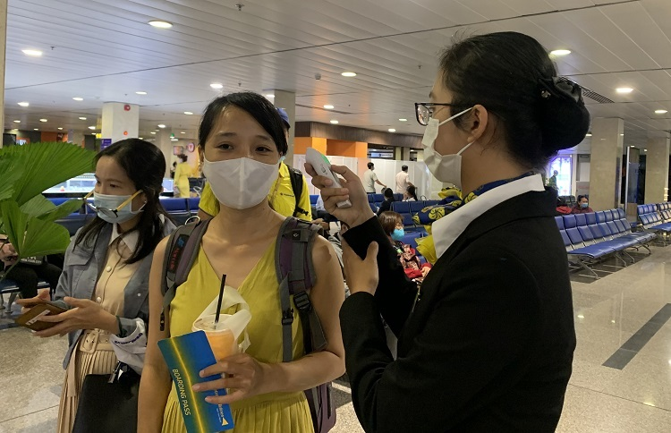 hcmc instructs online covid 19 medical declarations for tourism sector