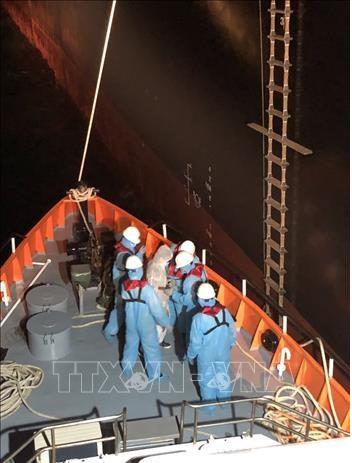 Quang Ngai fisherman awarded certificate of merit for saving 4 Filipinos adrift at sea