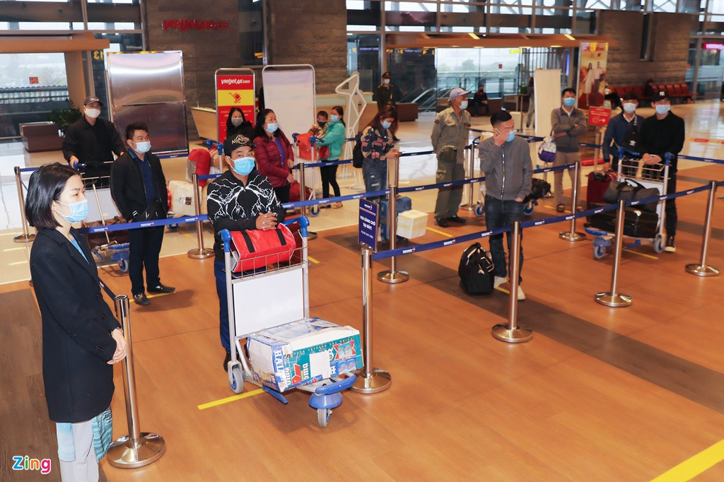 people return to hochiminh city after over a month stuck in quang ninh due to covid 19