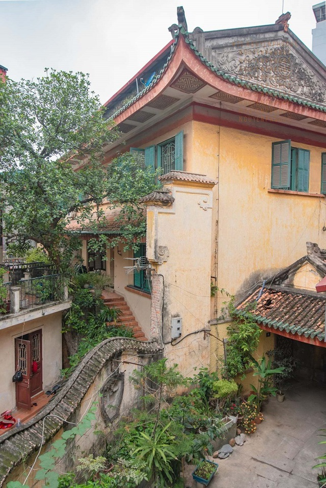 the hundred year old villa of old hanoi well off family