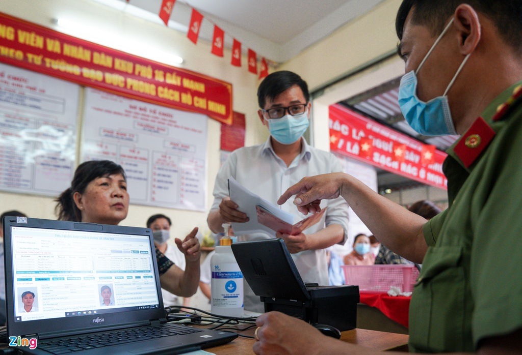 HCMC accelerates issuing chip-based ID cards for citizens
