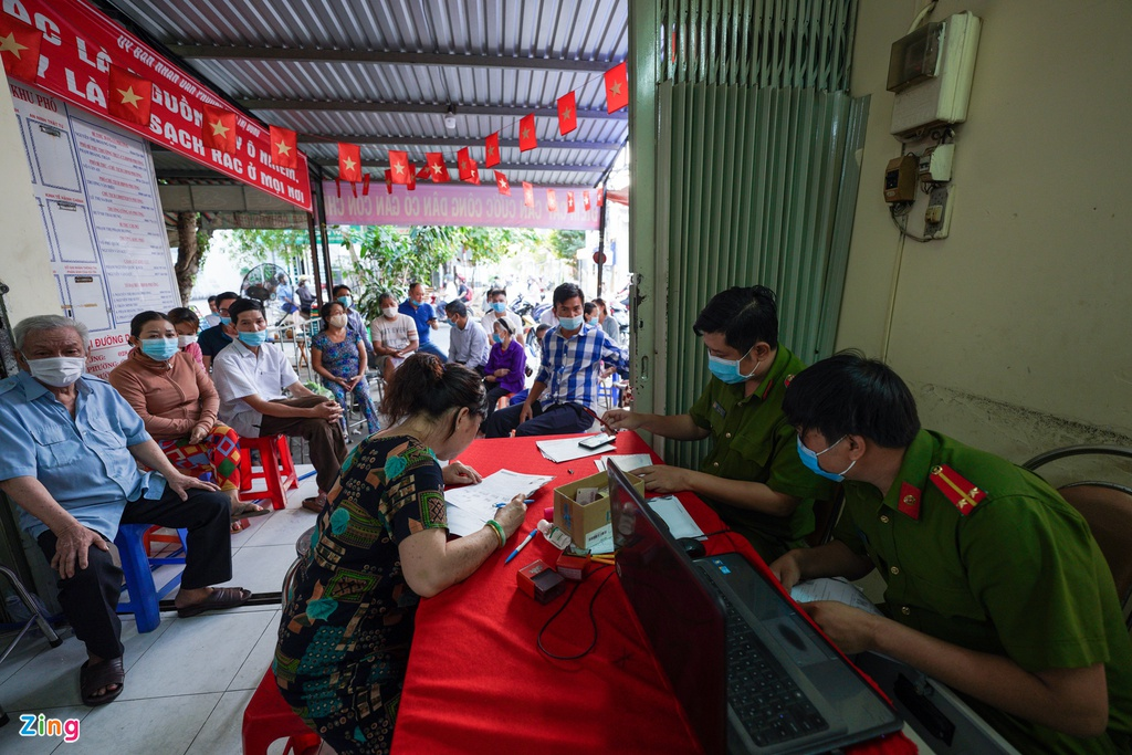 hcmc accelerates issuing chip based id cards for citizens