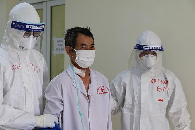 Most critically-ill Covid-19 patient in Hai Duong hotspot gradually recovers