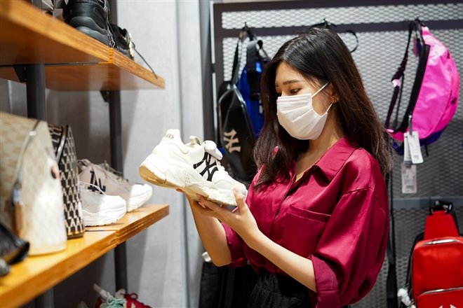 "Vietnamese retail market: A US$200 billion ""Gold mine"" that international brands are craving for"