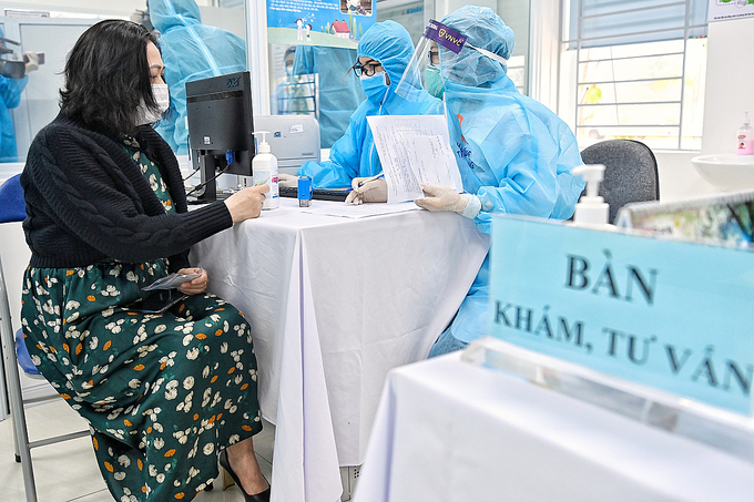 nearly 16000 vietnamese frontliners injected with covid 19 vaccine