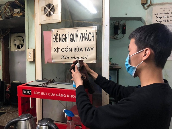 In photos: Game shops in Hanoi sternly abide by anti-Covid-19 measures
