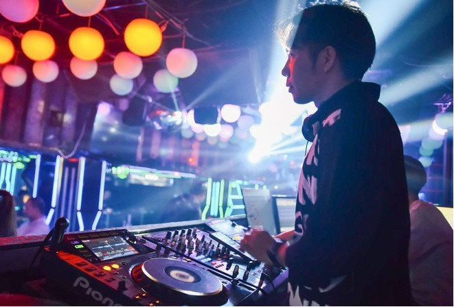 hcmc allows discotheques bars karaoke parlors to reopen