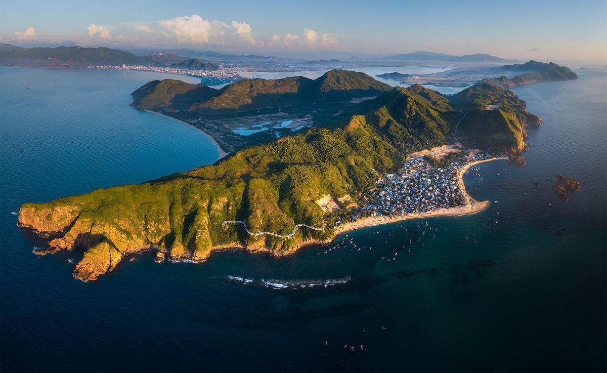 american newspaper names central vietnam among top 7 safe destinations post pandemic