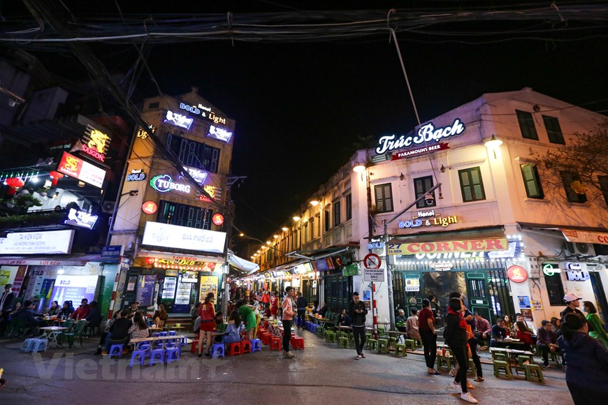 in photos karaoke parlors discotheques in hanoi bustling again