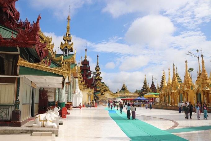 a peaceful myanmar in memories of a vietnamese traveler
