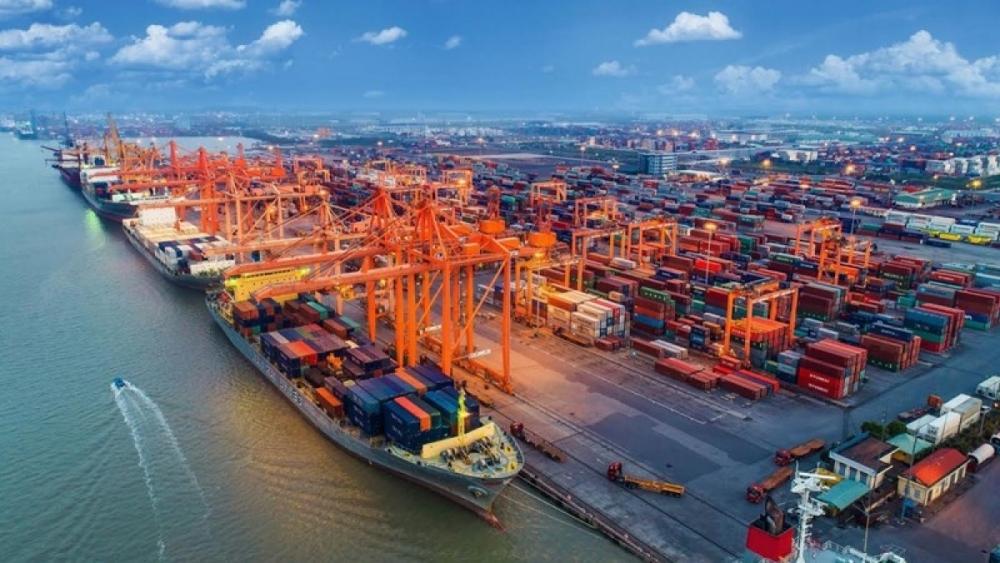 vietnam racks up 2 billion in trade surplus in first quarter