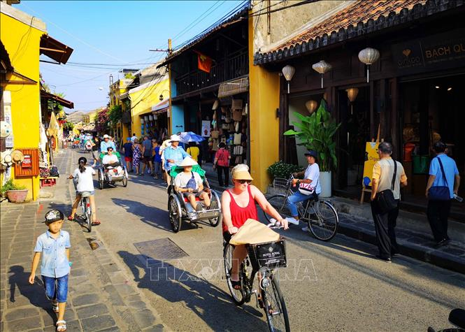 Vietnam receives 48,000 foreign visitors in first quarter of 2021