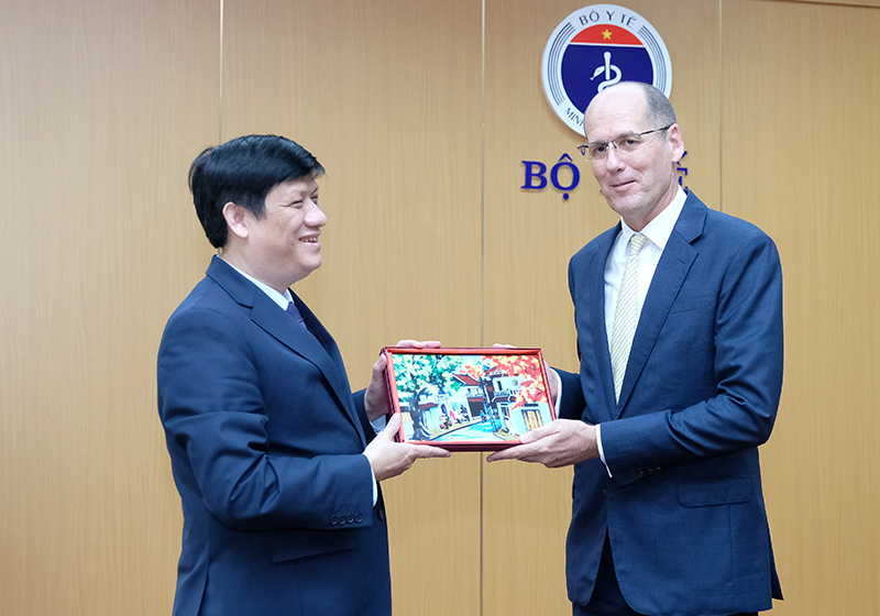 Health Minister: Vietnam to establish 2 central Centers for Disease Control in the North and South