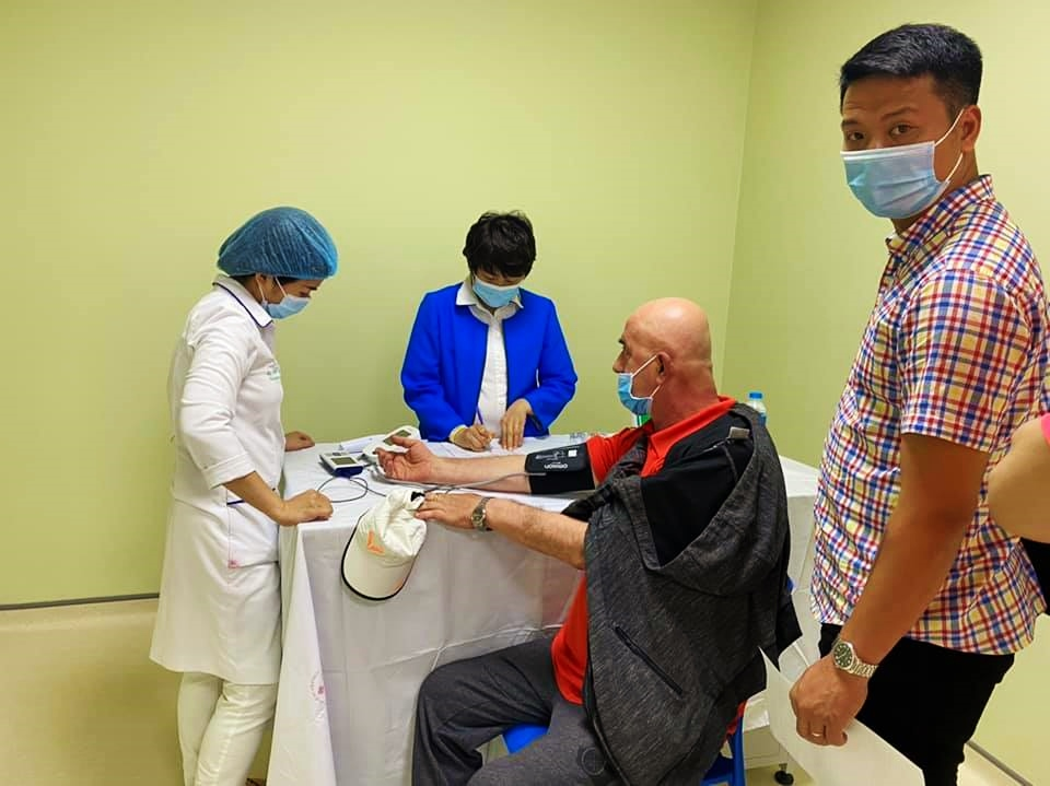 First Vietnamese high-achieving athletes receive Covid-19 vaccine