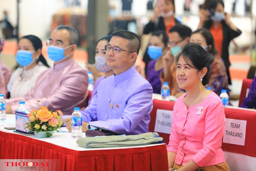 vietnam thailand friendship village contributes to fostering bilateral trade relations