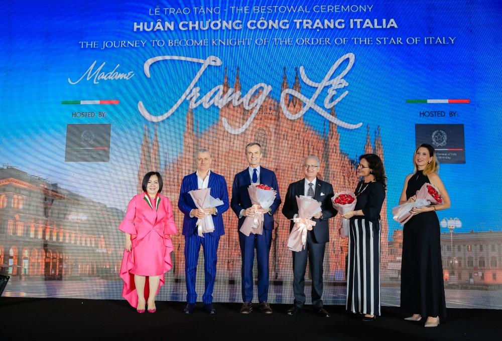 "Vietnamese model industry's ""powerful woman"" receives Italy's Order of Merit"