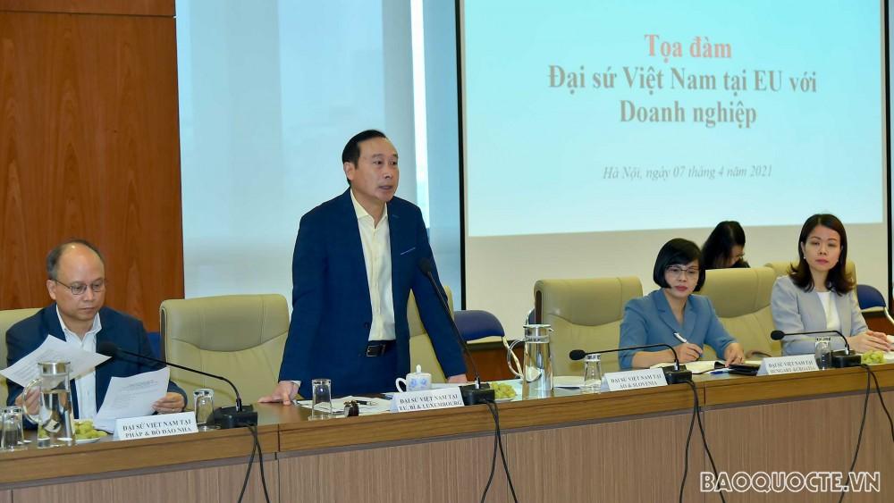 Seminar between Vietnamese Ambassadors and enterprises exporting goods to EU