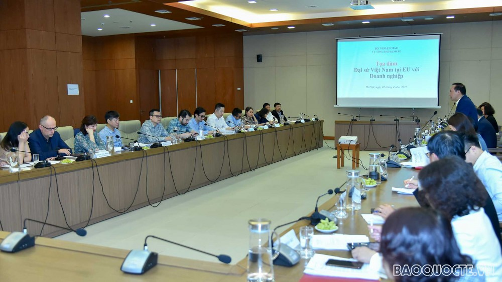 Seminar between Vietnamese Ambassadors and enterprises exporting goods to EU