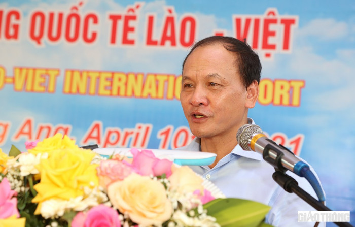 Lao-Viet International Port receives first container ship