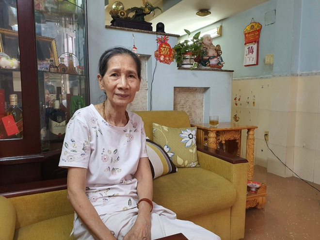 Vietnamese woman reunites with son after 22 years of being missing in U.S