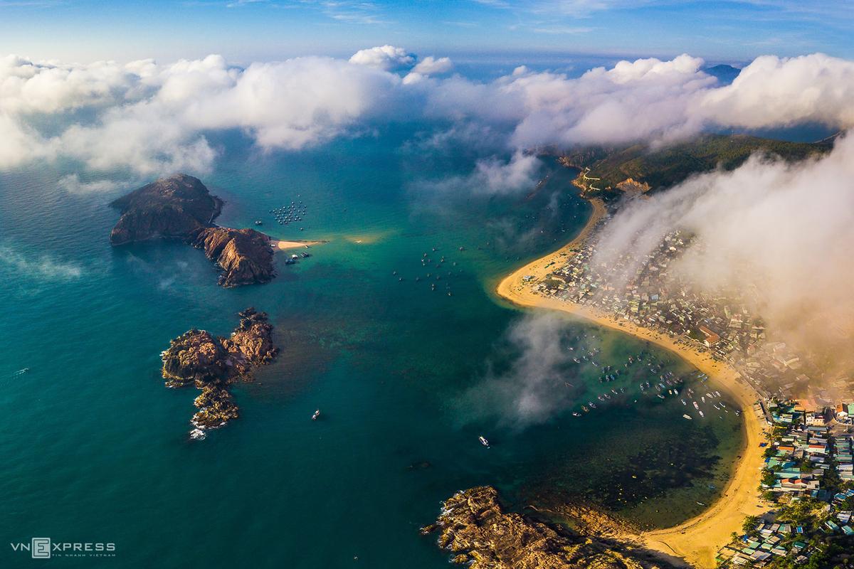 Binh Dinh spellbinds tourists with stunning bird-eye view