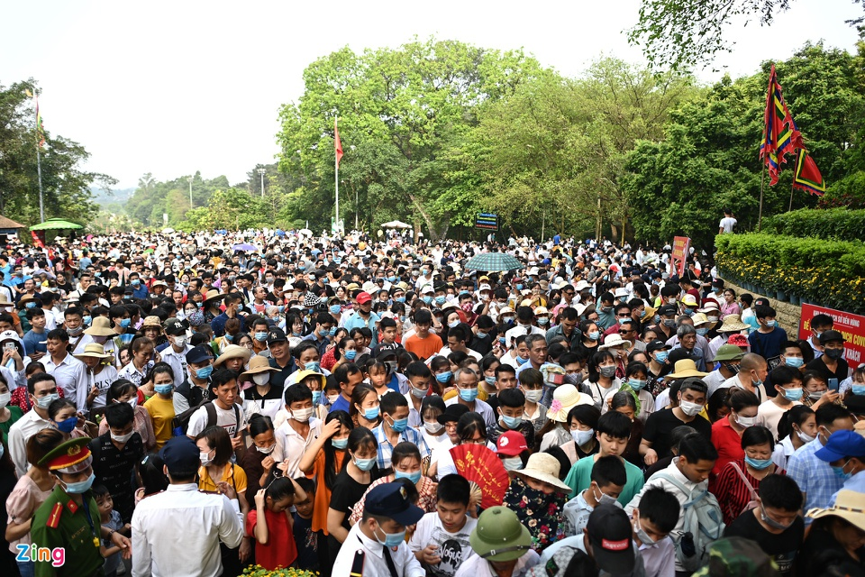 PM requires to restrict gathering in public spaces to prevent Covid-19