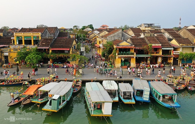 Vietnam's localities scrap crowded events over Covid-19 fears