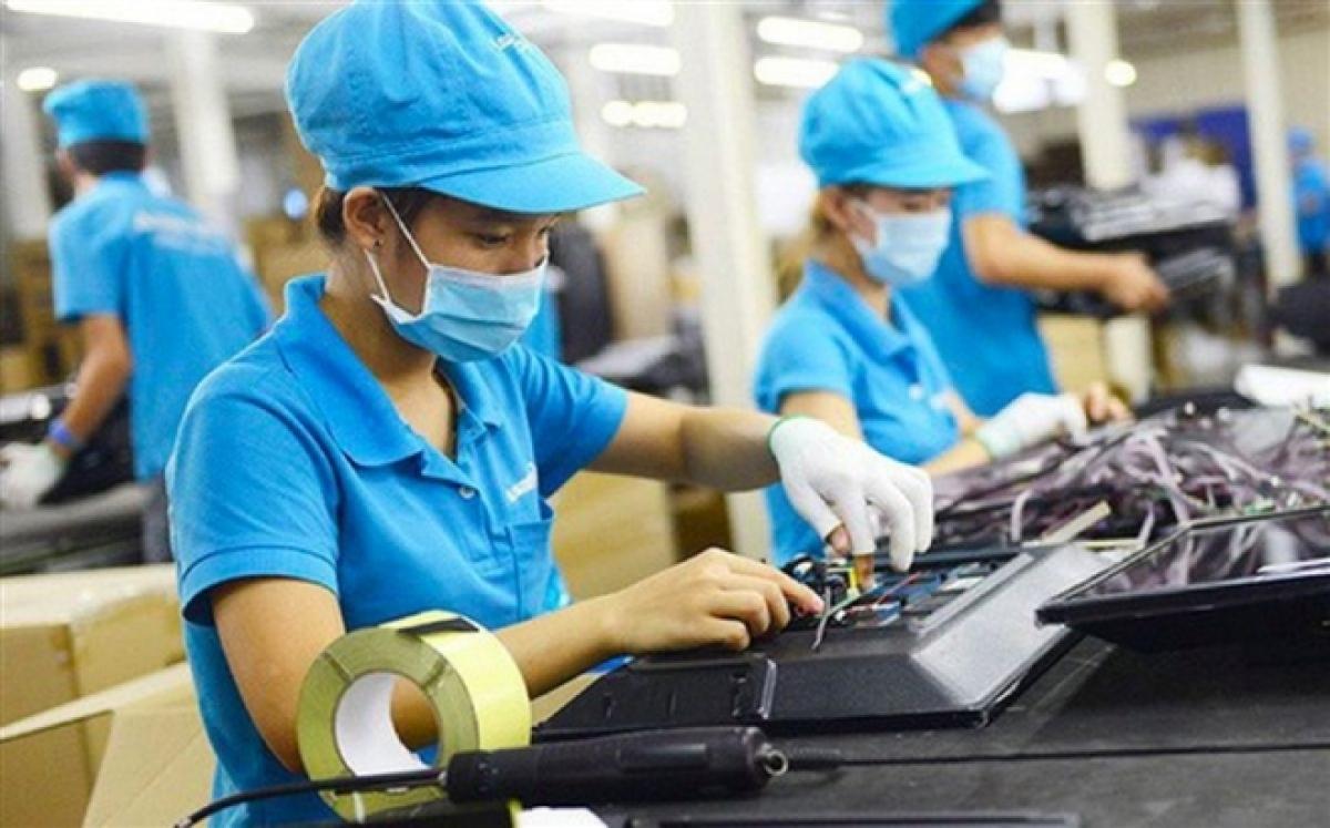 Vietnam attracts $12 bln in FDI in four months