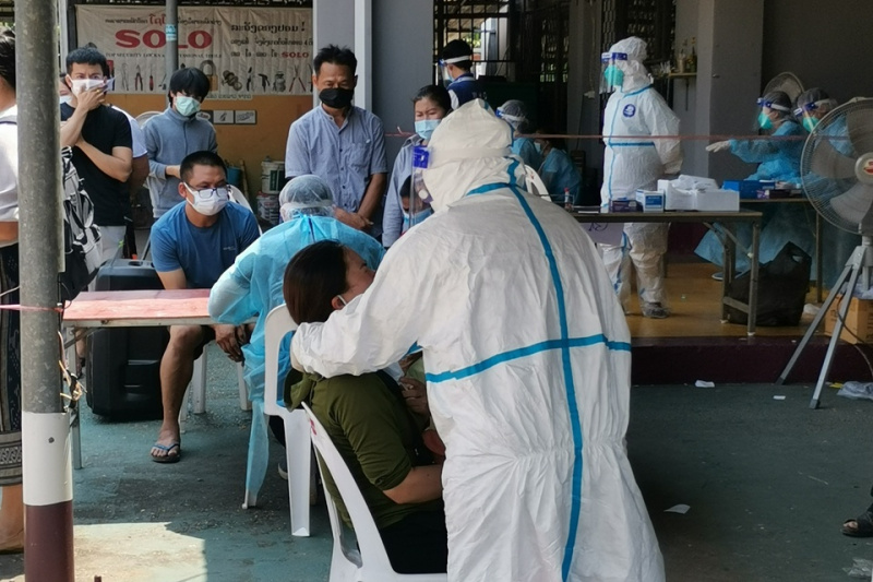 13 Vietnamese in Laos infected with Covid-19