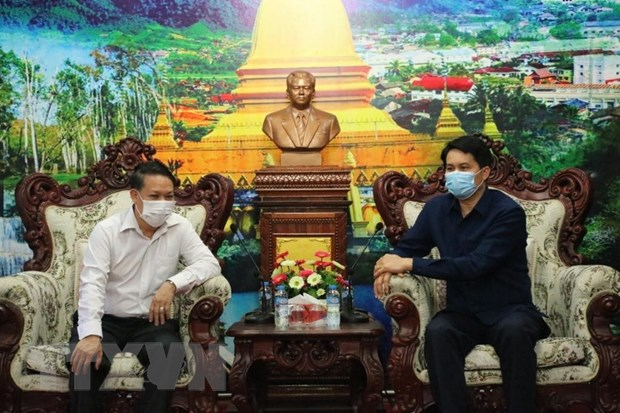 Vietnamese in Northern Laos join hands with local authorities in Covid-19 fight