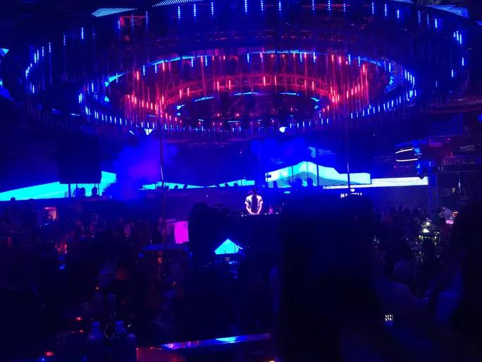 Da Nang, Bac Ninh to shut down bars, karaoke parlors over Covid-19 fears