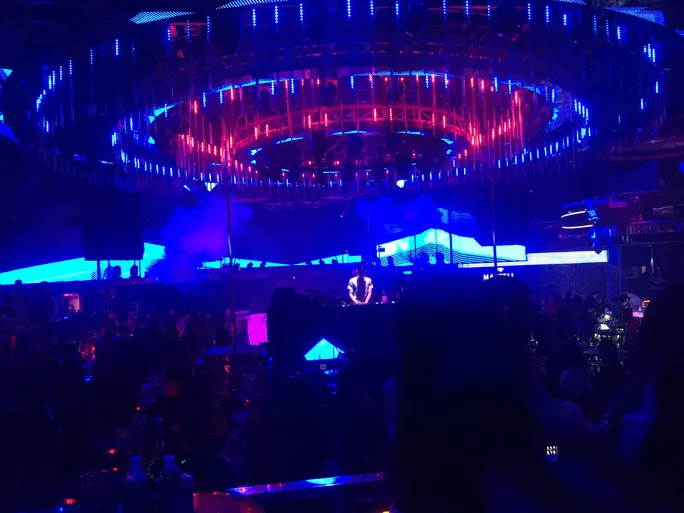 Da Nang, Bac Ninh to shut down bars, karaoke parlors over Covid-19 fears