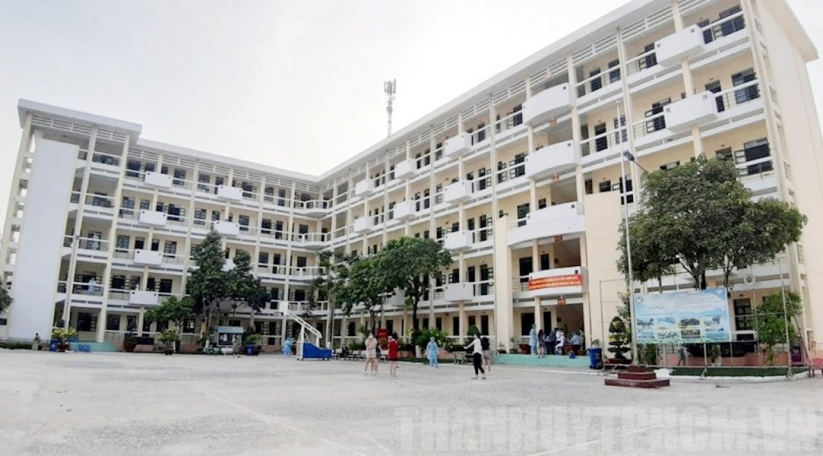 Ho Chi Minh city police hunt for Chinese escapees from quarantine facility