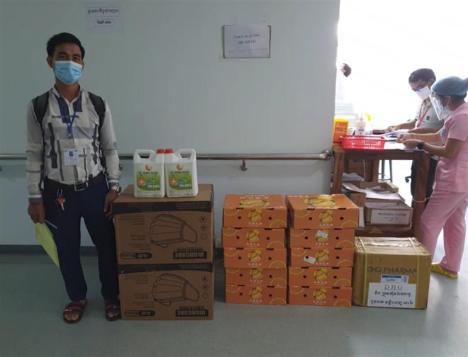 Compassionate love inspires overseas Vietnamese in Covid-19 hotspot Phnom Penh