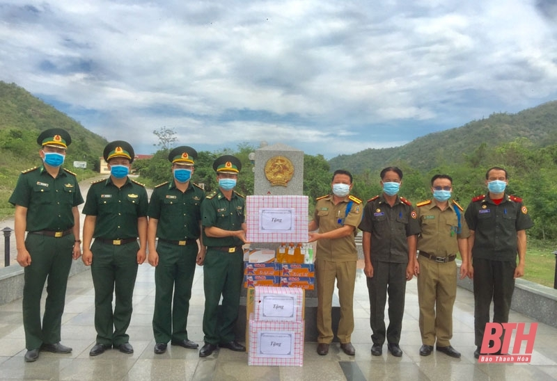 Vietnamese localities, Consulate General in Luang Prabang support Laos in Covid-19 battle