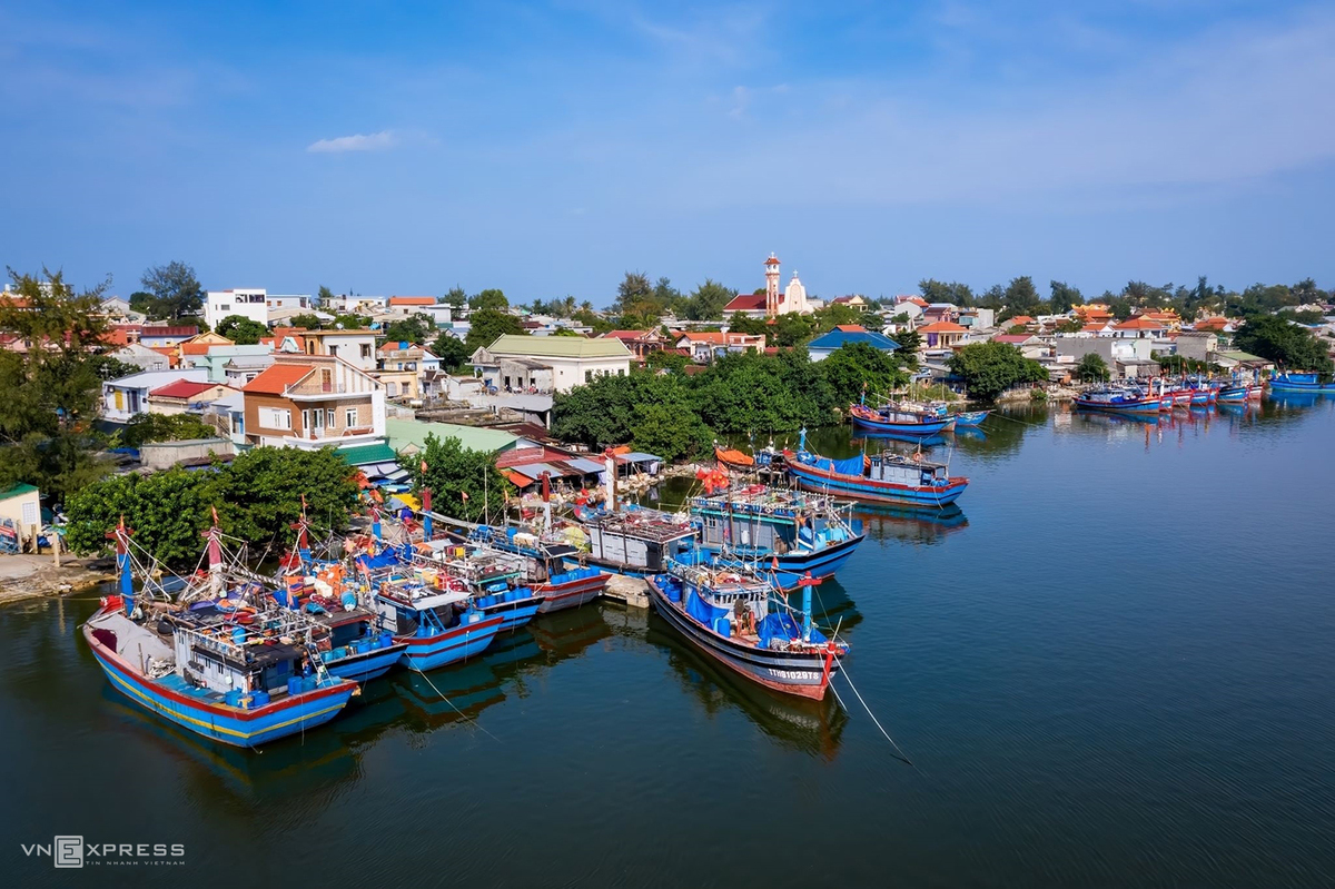 Tranquil beauty of Phu Hai fishing village