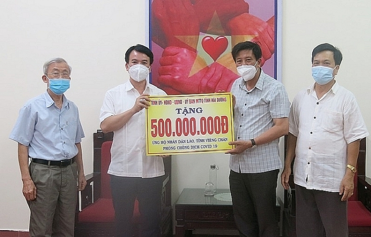 Hai Duong provide $21,792 in aid for Laos' Covid-19 fight