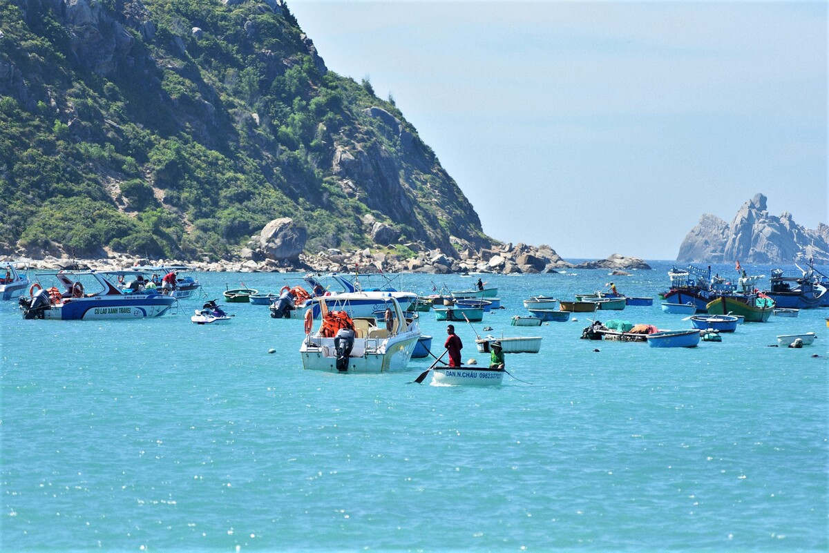Cu Lao Xanh, summer paradise for beach-lovers